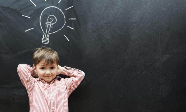 كيف تطور ذكاء طفلك؟!