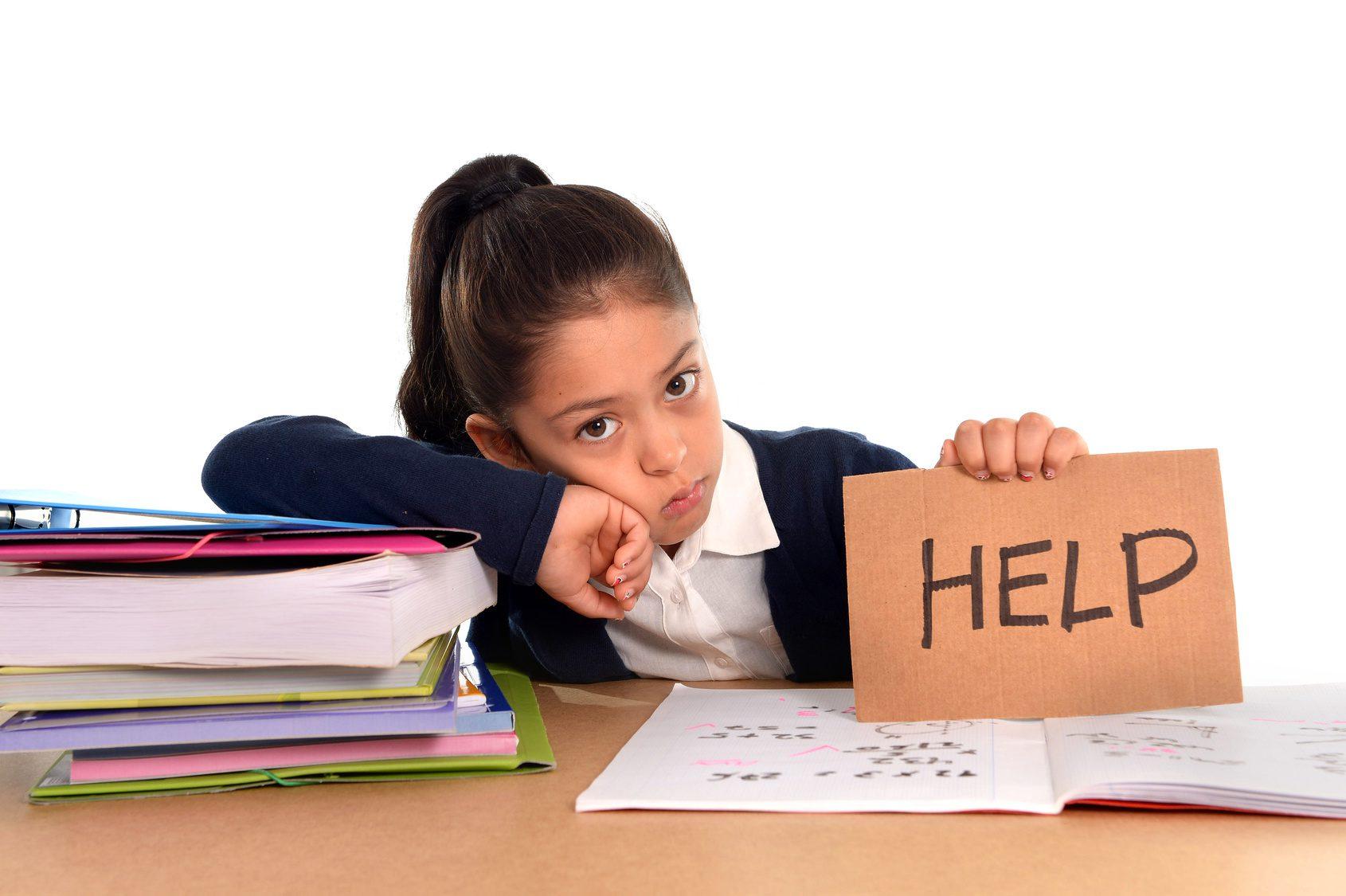 هل طفلك مضغوط نفسياً؟ إليك الأعراض والحل